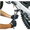 D59-16-111 Detalle del cortador Remachador de cadena DRC en accion.