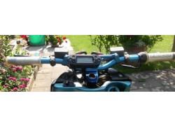 Detalle del BA018B00 Tacómetro DB-01R KOSO Digital, universal, Speed, RPM, ODO, TRIP, TIME, FUEL,12x4.5x3.5cm, iluminado azul, CE instalado.